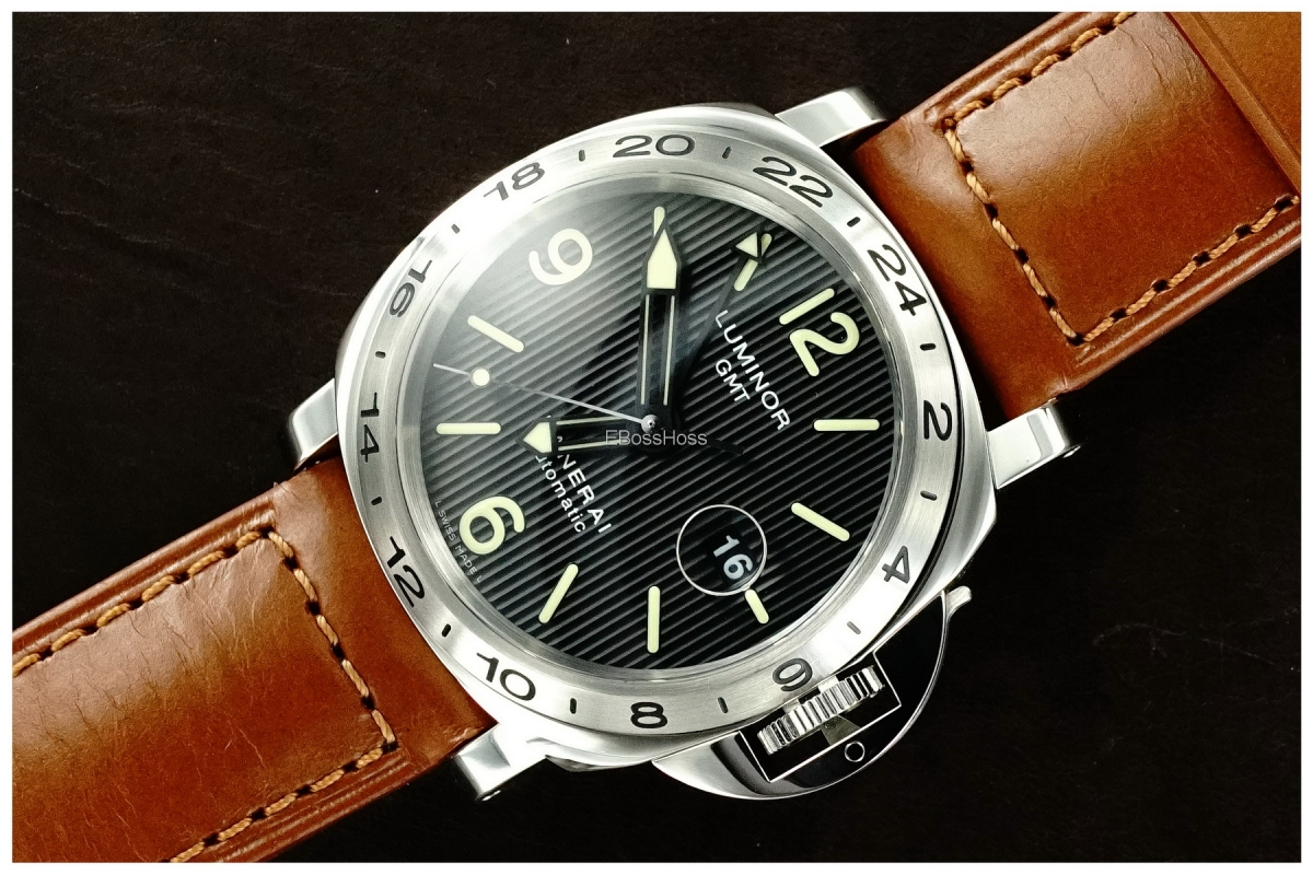 Panerai (Officine Panerai) 029 LUMINOR GMT w/ Tuxedo Dial