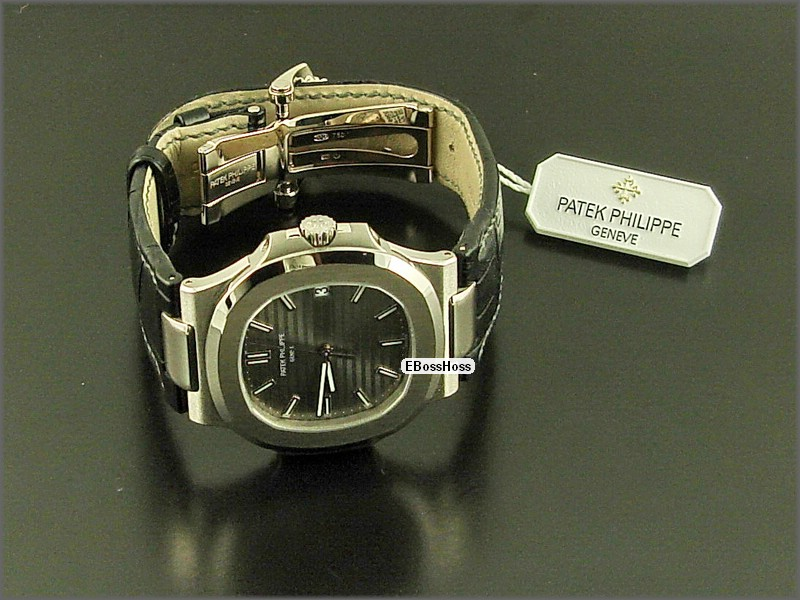 Patek Phillipe  Nautilus 5711G - White Gold