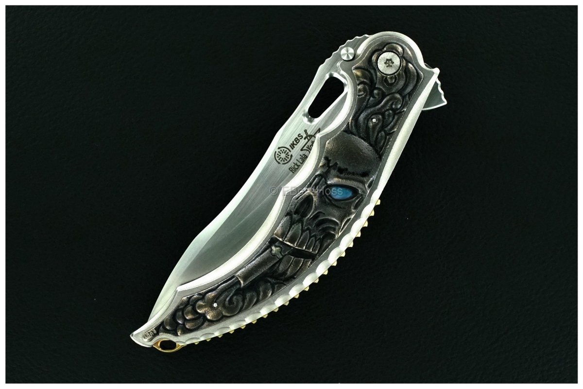 Korth Cutlery Custom Carved Cigar-Smoking Skull Reptile Flipper