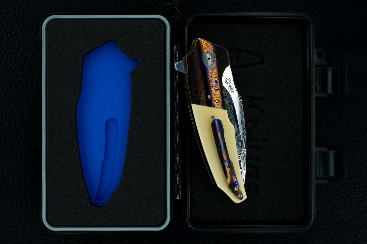 A2 Knives (Andre Thorburn & Andre van Heerden) & Tashi Bharucha Custom Premium A6 Flipper Collaboration
