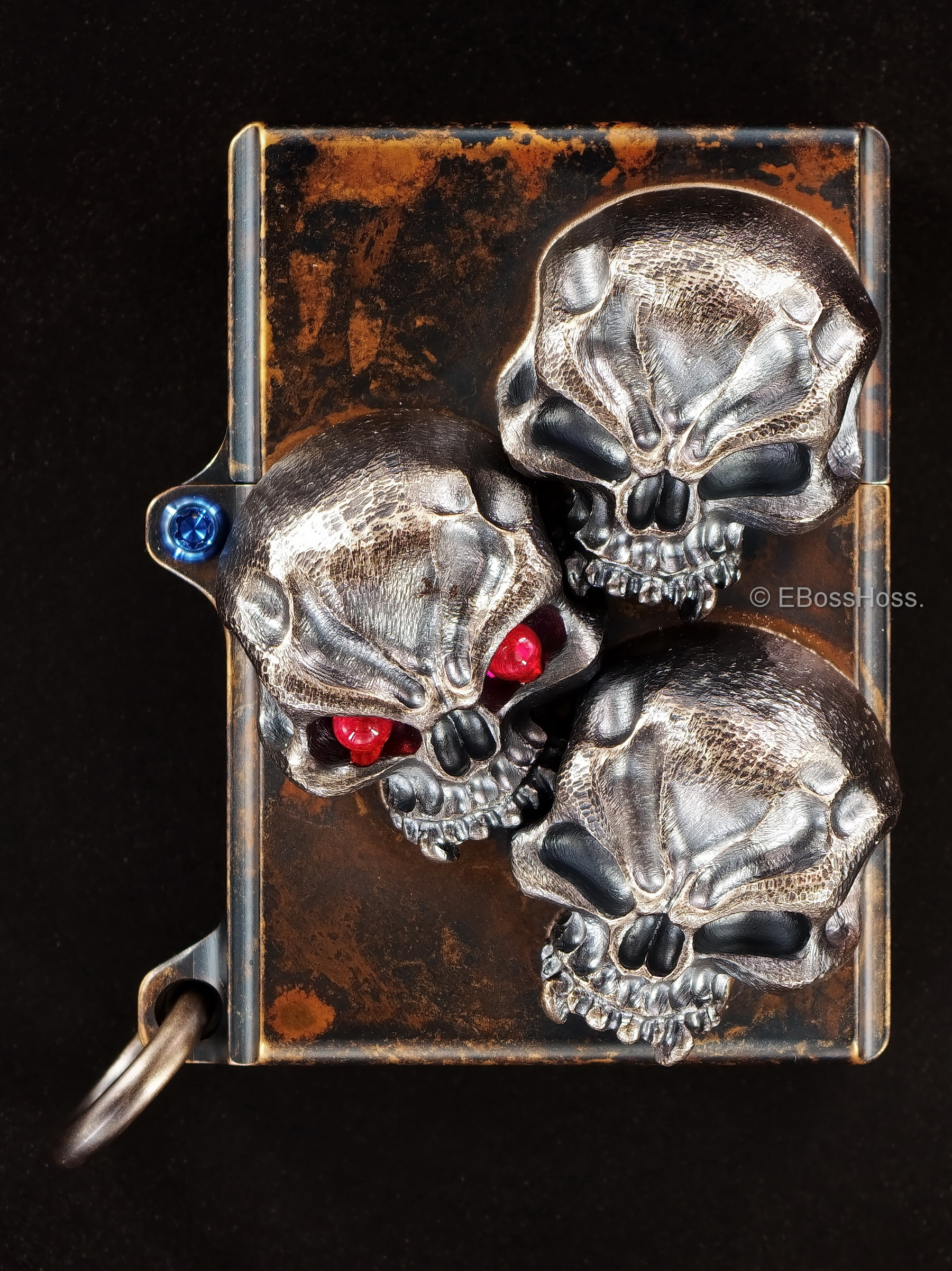 Steel Flame -ONE- Custom Vigilant Skulls Sledge Lighter -- by Derrick Obatake