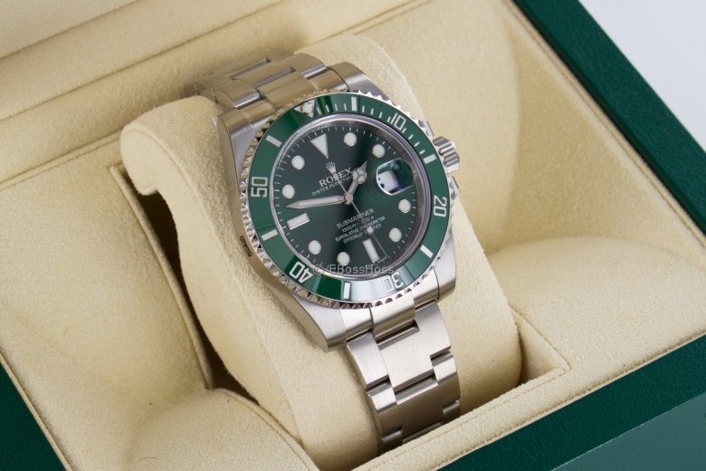 Rolex 116610LV Submariner Date - The Hulk