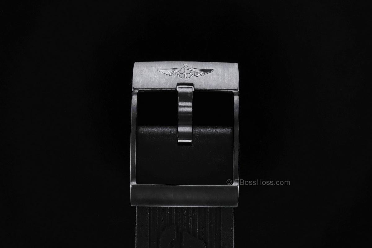 Breitling Avenger Skyland Blacksteel - M13380